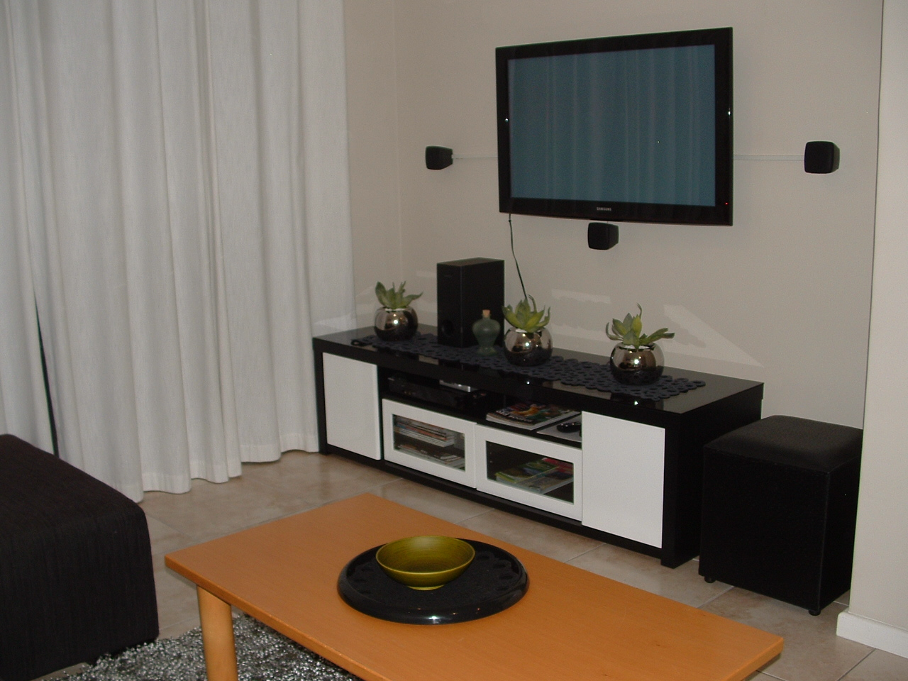 Plasma TV, DSTV, DVD